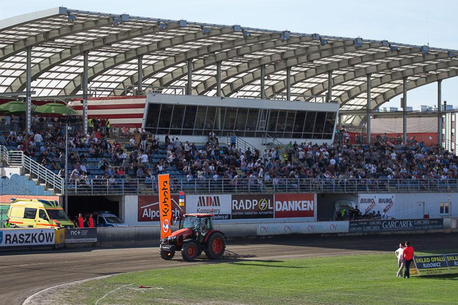 Trybuna Główna - Stadion Miejski w Ostrowie Wielkopolskim